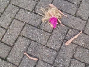 barbie cassée